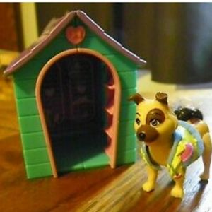 Fashion Polly Dog and Doghouse